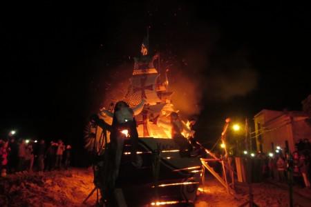 Hogueras de San Juan en La Pedrera
