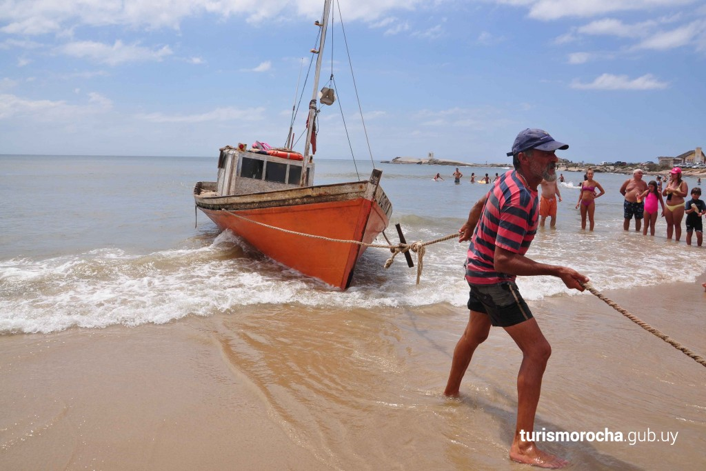 Barcas de pesca en Punta del Diablo