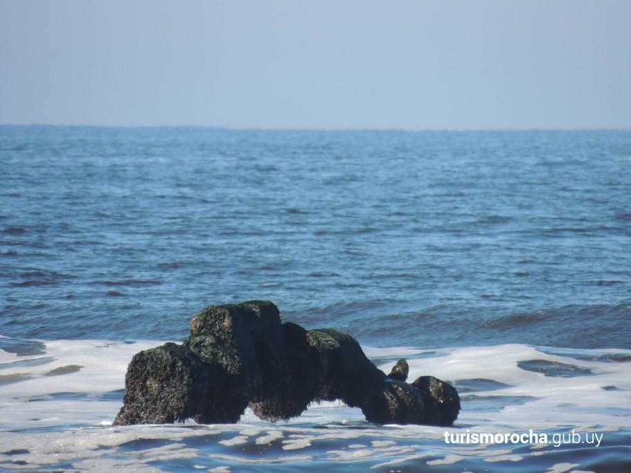 Restos del buque Arinos en Aguas Dulces - Foto: Radia Daparte