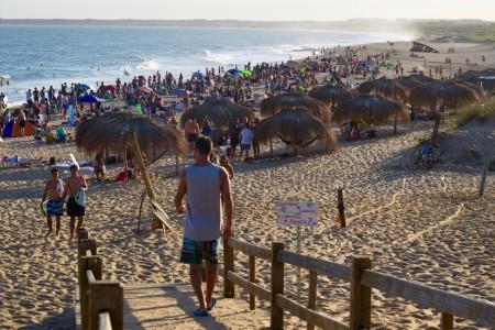 Playa del Barco en La Pedrera, la elegida por los jóvenes