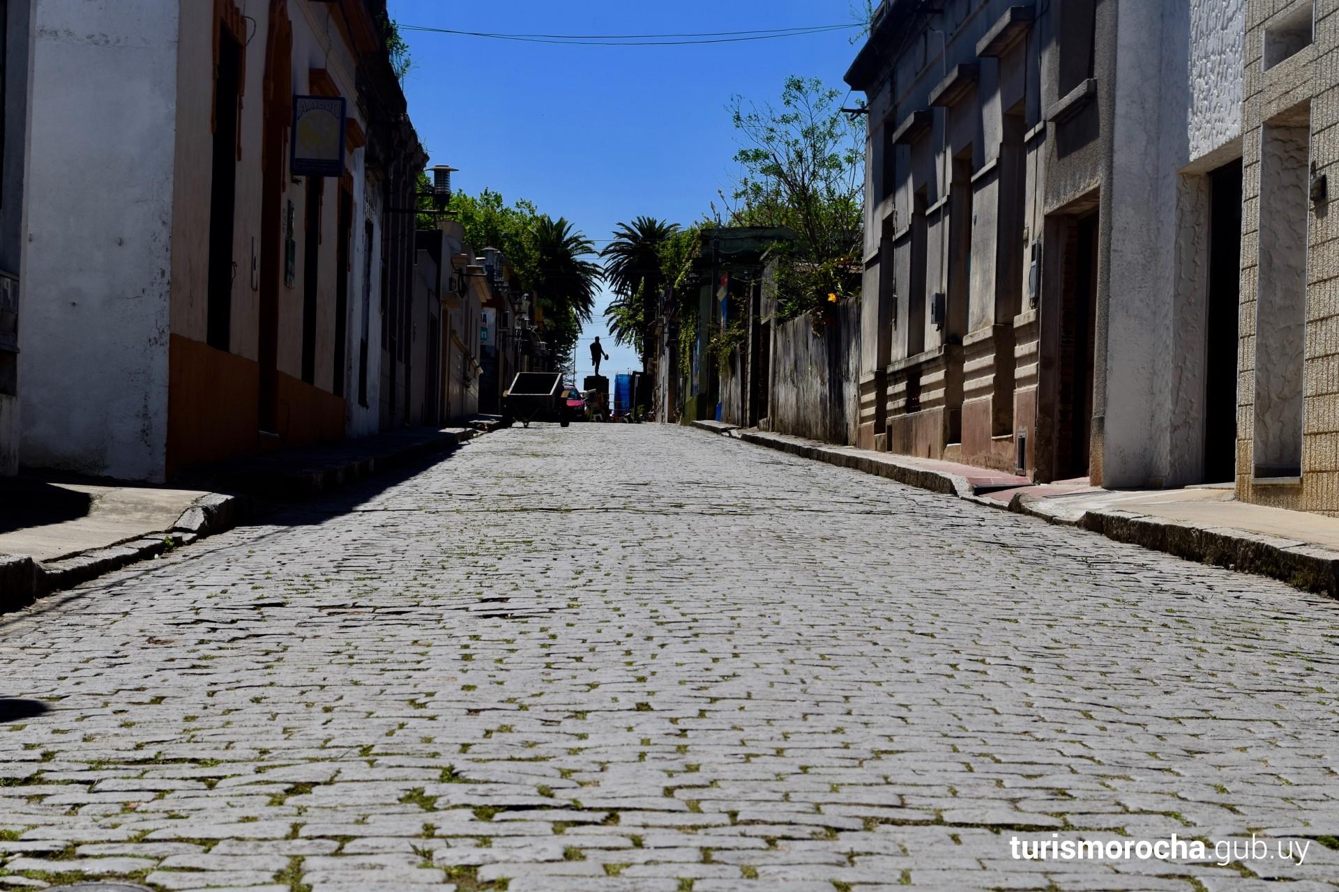 El adoquinado de la ciudad de Rocha: una alfombra de granito