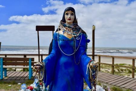 Imagen de la diosa del mar en plaza Adauto Puñales