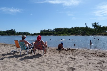 Disfrutando del río Cebollatí
