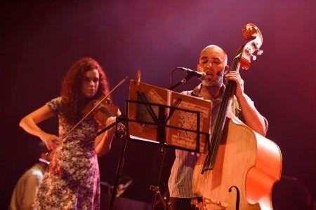 Show de música en vivo en La Esmeralda