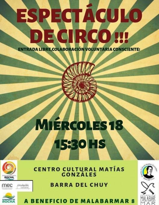 Espectáculo de circo a beneficio en el Centro Cultural Matías González de Barra de Chuy