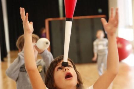 Taller de circo para niños en La Pedrera
