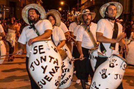 """""""El pueblo se junta y suena"""" en La Paloma"""