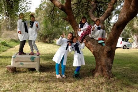 """""""Sierra, camino y palmar"""": recorrida de la Dirección de Turismo por las escuelas rurales en el Día Mundial del Medio Ambiente"""