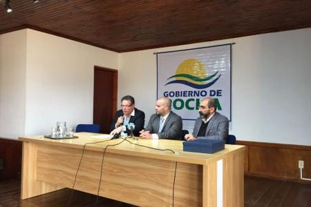 Firma de hermanamiento entre La Paloma y Camboriú, Brasil