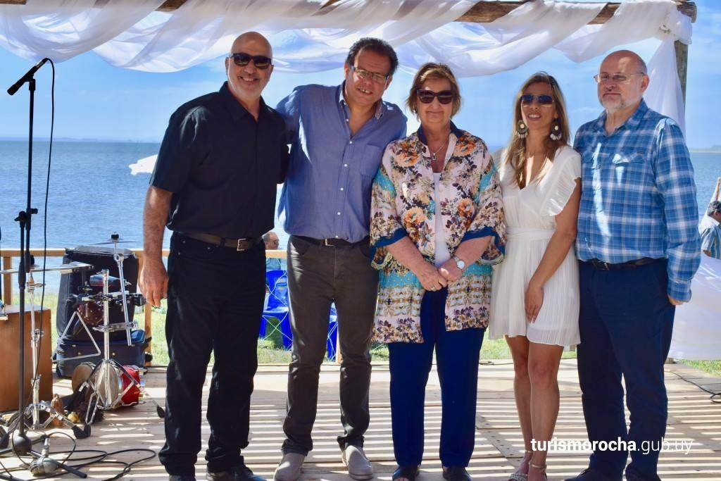 Autoridades en el Lanzamiento de Temporada de Verano de Rocha