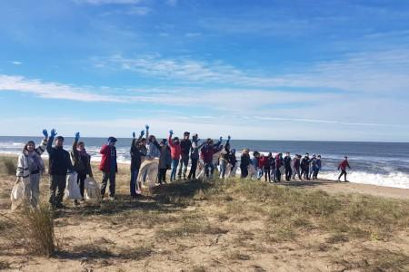 Más de 60 kilos de plástico se recolectaron en la costa frente a la Laguna Garzón en Rocha