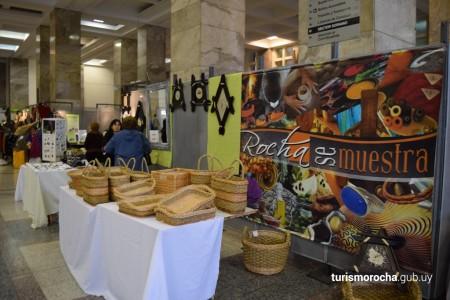 """""""Rocha se muestra"""" en el atrio de la Intendencia de Montevideo, exposición y venta de productos locales"""