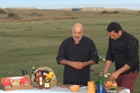"""Nilson, ganador de Master Chef Uruguay, llegó a Rocha con su nuevo programa """"La ruta de Nilson"""""""