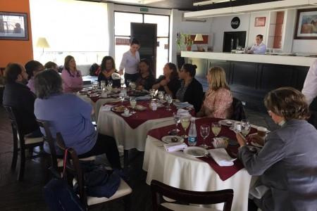 Proyecto piloto de formación en alternancia propone vincular estudiantes con empresas en Uruguay