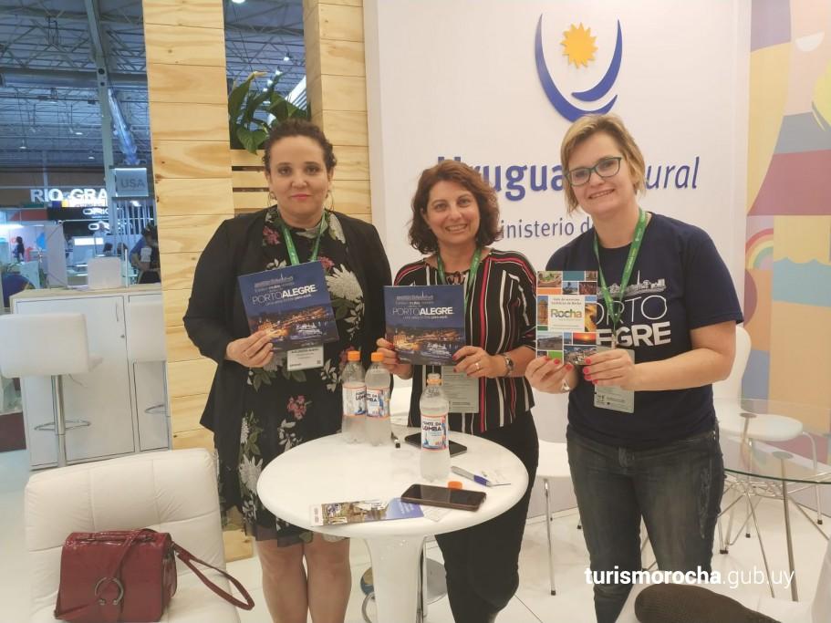 Alejandra Manso (CRT), Alejandra Larrosa (DirTur) y Coordinadora de Promoción Turística de Porto Alegre Juliane Noschang