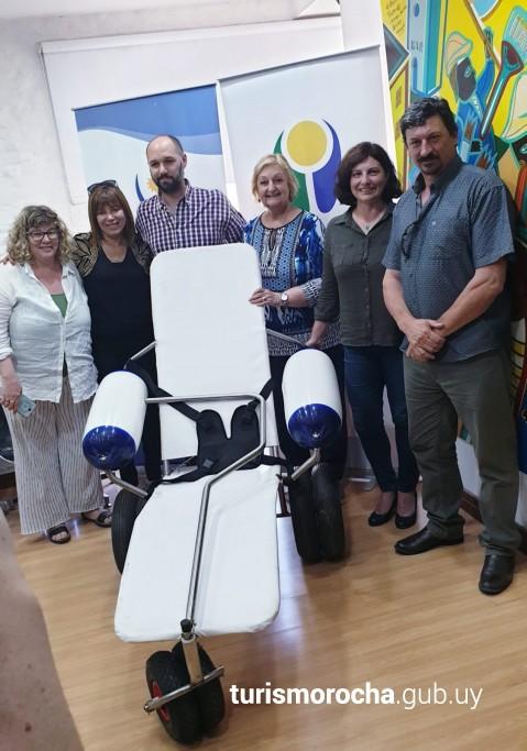 Donación de sillas anfibias para Rocha