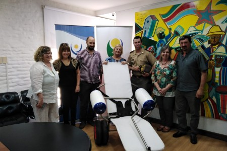 Entrega de sillas anfibias para personas con discapacidad para playas de Rocha