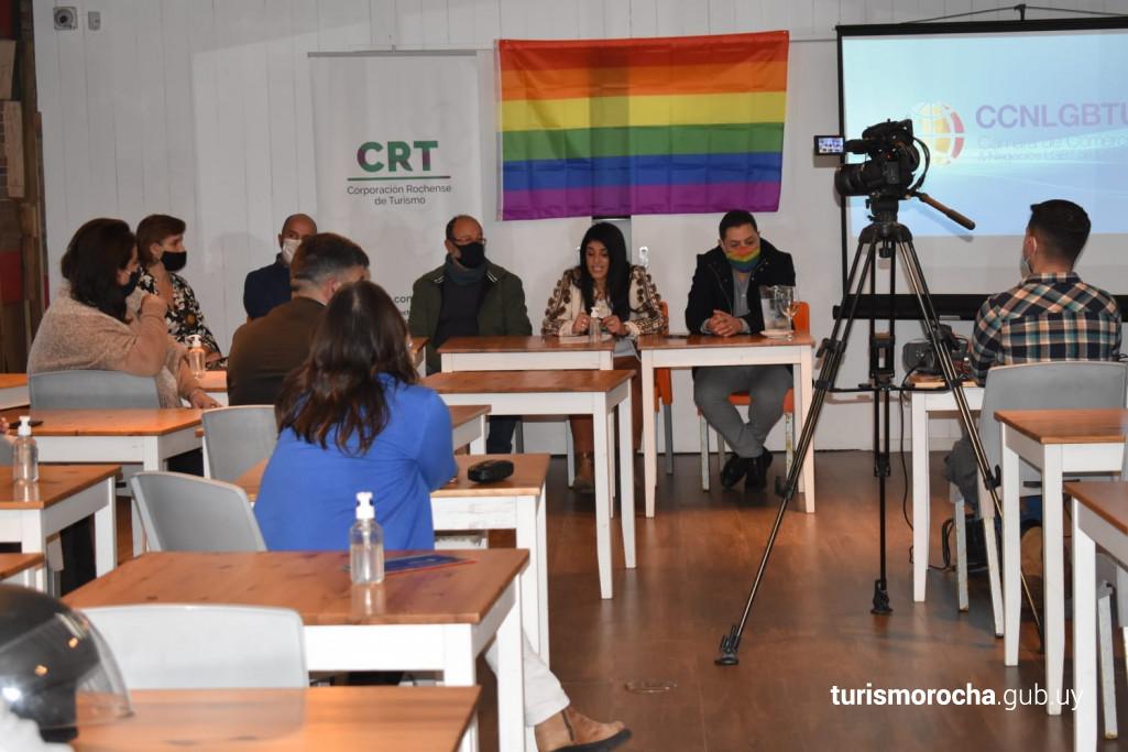 Capacitación en Turismo LGBT en La Paploma