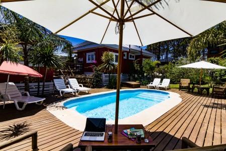 Posada Lune de Miel, alojamiento en Punta del Diablo. Cabañas y apartamentos con piscina