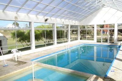 alojamientos con piscina climatizada para disfrutar en