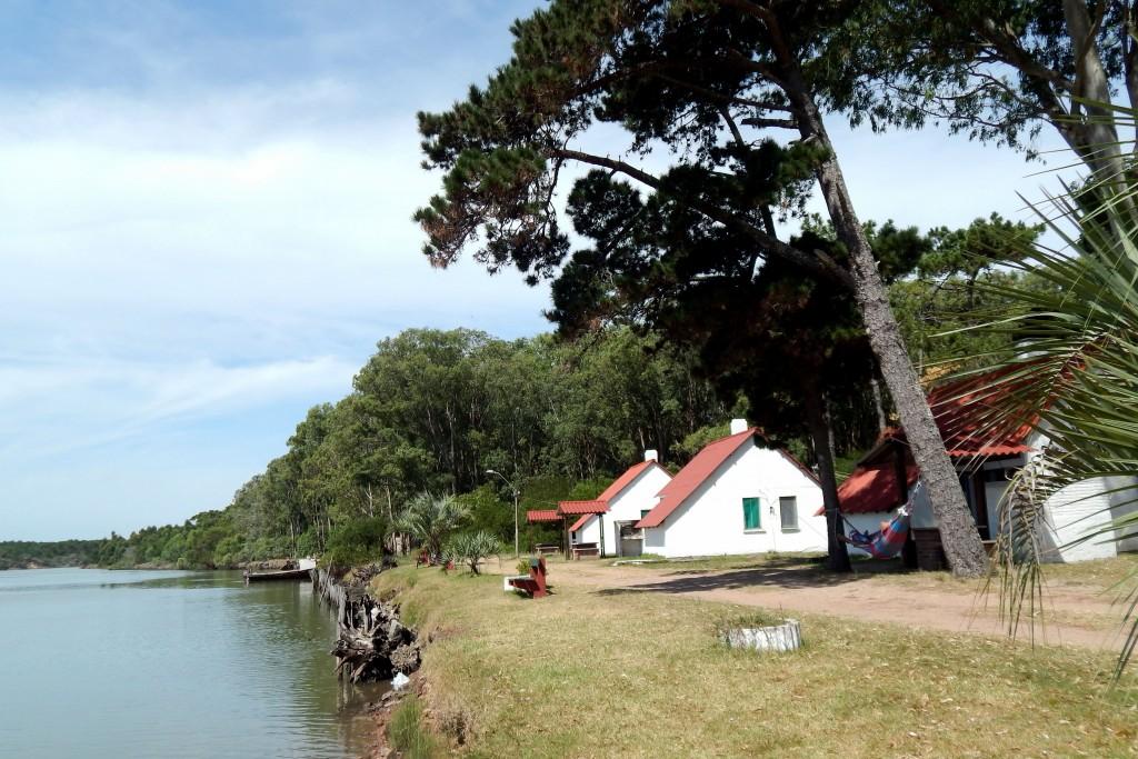 Complejo de Cabañas Municipales en Barra de Chuy