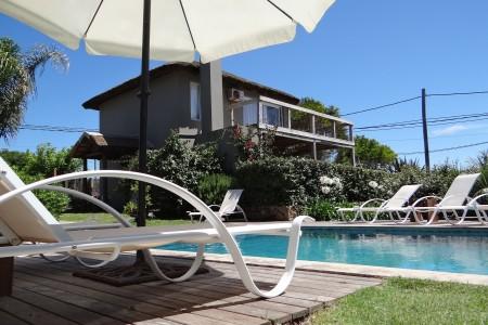 Villa Juana Bungalows & Suites, alojamiento en Punta del Diablo
