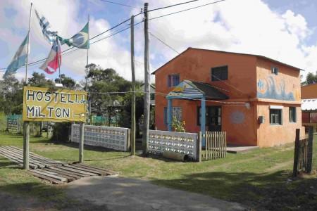 Hostel Lo de Milton, acomodação para descansar e se divertir em Barra de Valizas