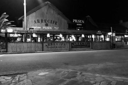 Restaurante Arrecife no centro de La Paloma, aberto todo o ano