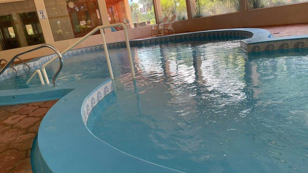 Piscina climatizada en Complejo Turístico Chuy en Barra de Chuy