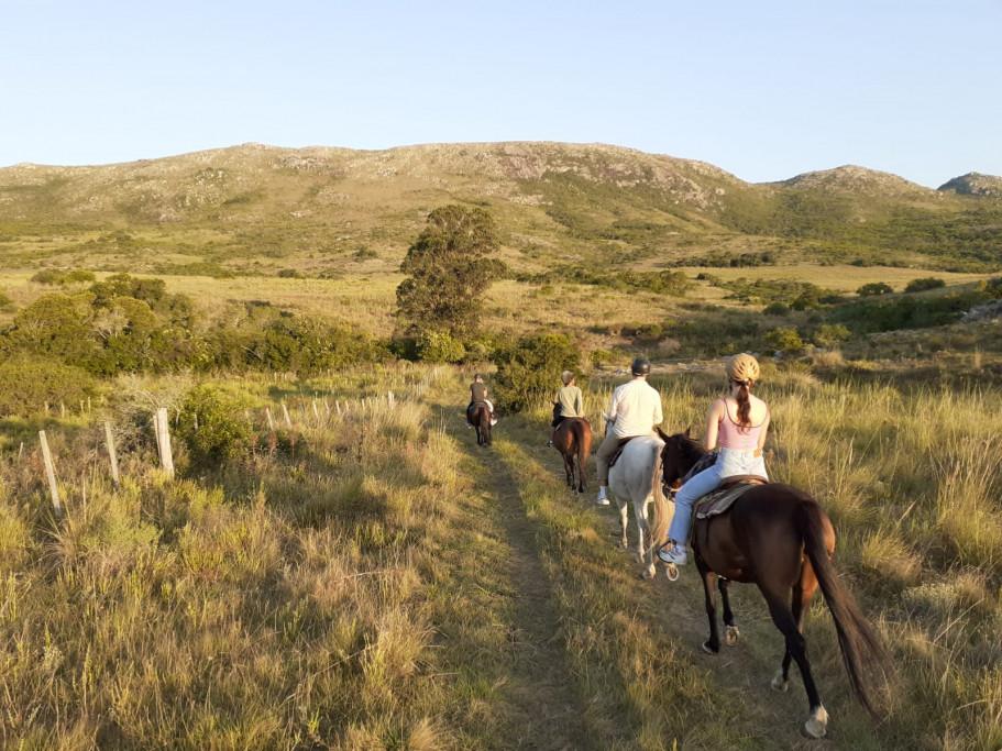 Cabalgatas en las Sierras de Rocha en vacaciones