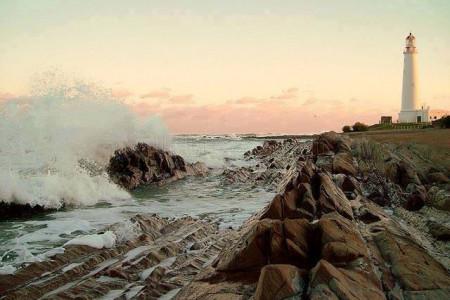 Descanso, relax, sol y playa en un entorno natural y agreste de La Paloma