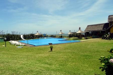 Club de playa a 1500 metros de La Serena Suites