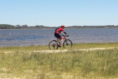 De Faro a Faro, uniendo caminos: tour en bici de José Ignacio a La Paloma