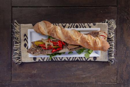Chorizo de jabalí al vino blanco, una receta que conjuga carne y vino rochense