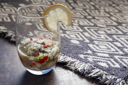 Ceviche de sirí, el plato estrella peruano adaptando su receta a los productos del mar de la costa de Rocha