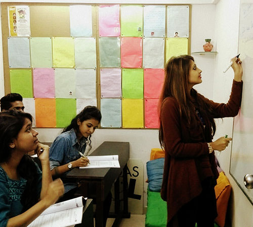 Shivani Desai, Winner of Pro of the Month Award