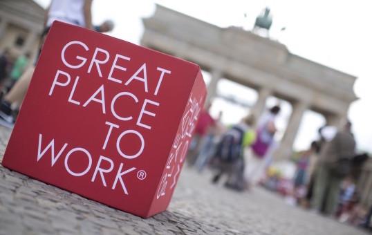 (c) Great Place to Work® | *um ist bester Arbeitgeber in der ITK