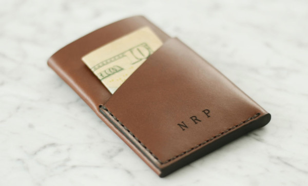 De-clutter your life with the LEAN Essentials Wallet