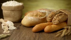 Breadontable-medium