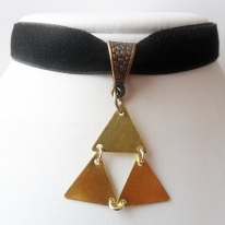 """Black velvet ribbon adjustable choker with triforce pendant and a width of 1/2"""""""