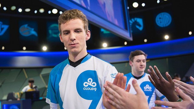 Cloud9's Licorice greets fans after their win (LoL Esports Photos, Flickr)