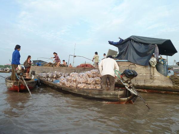 Floating markets of Cai Rang