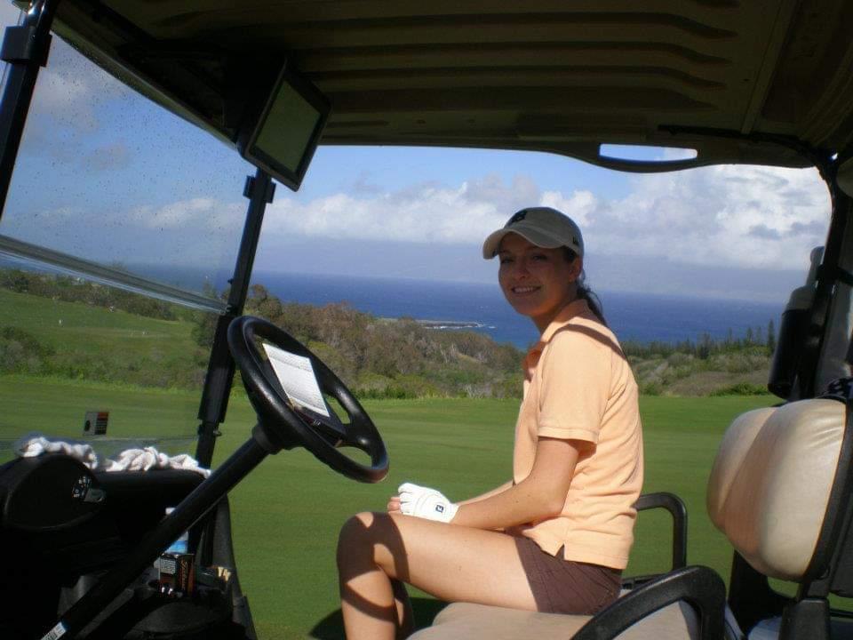 Khali Koetting golfing in Hawaii.