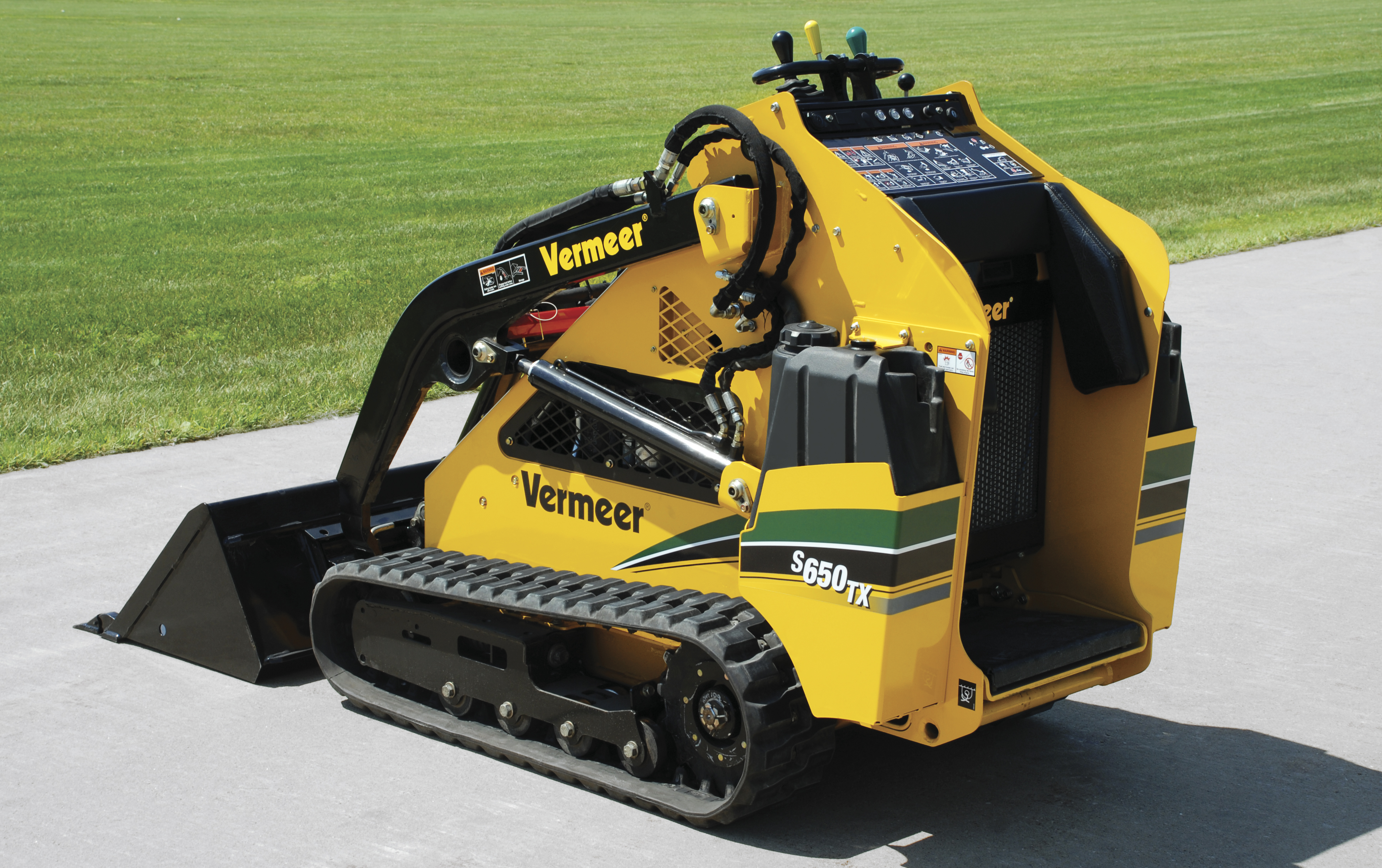 Mini Skid Steer : Mini skid steers equipment spotlight underground