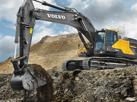 Powered by a proven Tier 4 Final/Stage IV-compliant Volvo D13 engine, the EC480E delivers high digging and breakout forces.