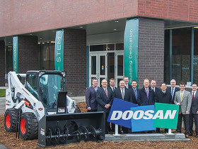 Bobcat, Doosan and NDSU Dedicate New STEM Classroom, Lab Building