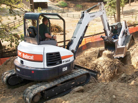 selecting compact excavator
