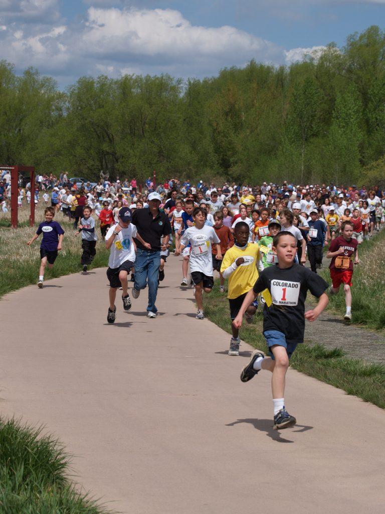 Kids running a fun run