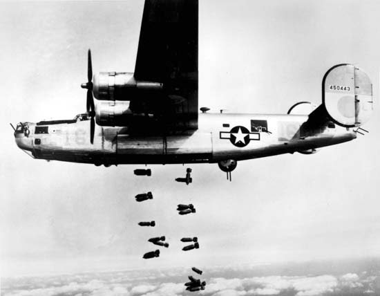 B-24 dropping bombs