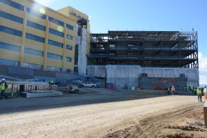 Construction crews continue to build the new Highlands Ranch Hospital, spanning approximately 360,000 square feet – with an adjacent 85,000-square-foot medical office building housing a two-story cancer center. The full-service hospital will open with approximately 72 inpatient beds with room to expand.